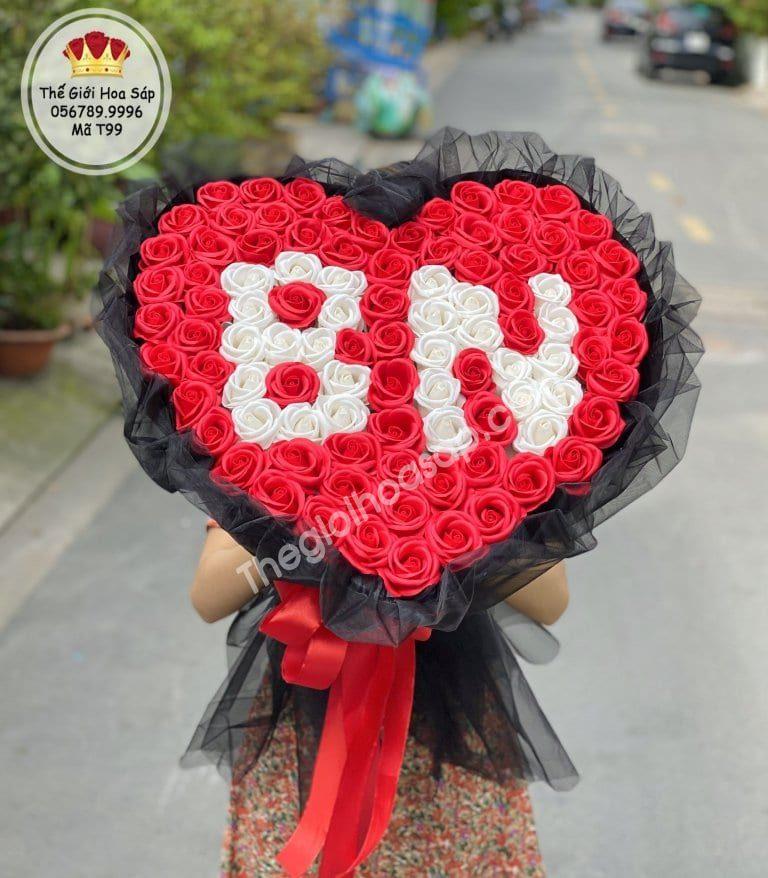 Hoa sáp ghi tên người yêu