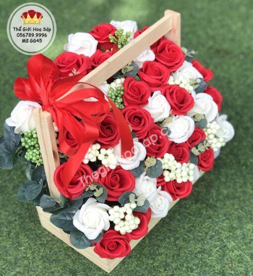 giỏ hoa sáp đẹp