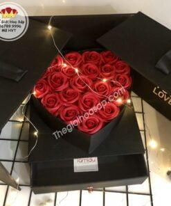 hộp vuông tim hoa sáp