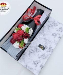 hoa sáp hộp đỏ