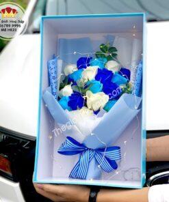 hộp hoa 21 bông mặt kính
