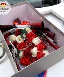 hộp hoa sáp 21 bông